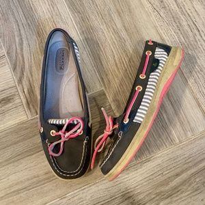 Sperry's - Navy and Pink W Size 8